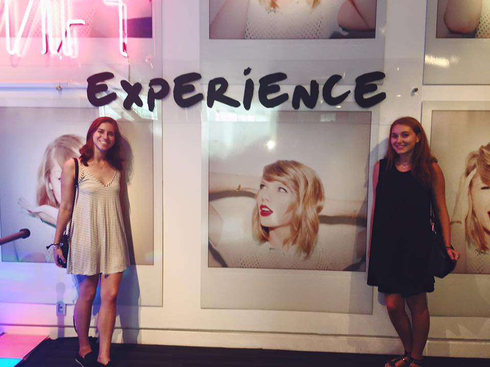 Exploring LA & why I love Taylor Swift  (Taylor Swift Exhibit @ The Grammy Museum) (1/3)